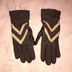 Brown gloves with coffee colored leather detail
